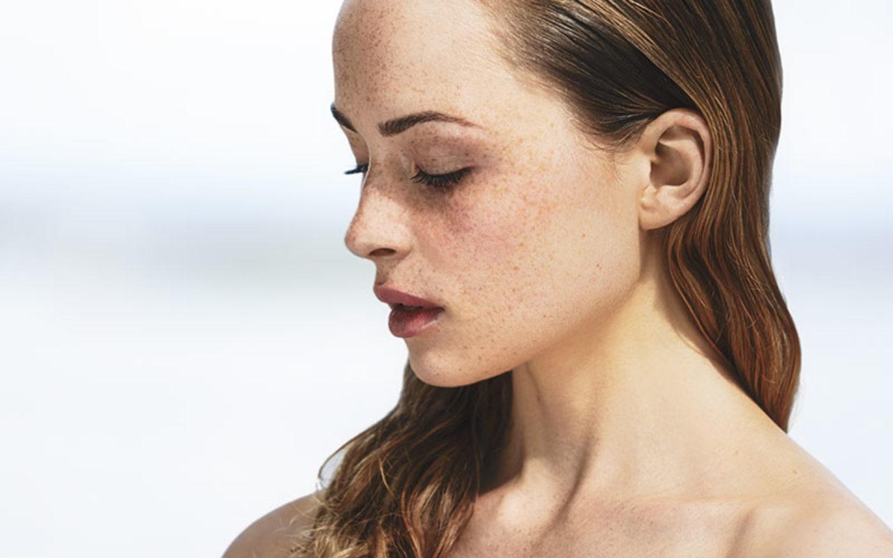 Hva betyr kjemisk peel og hvordan virker den på huden?